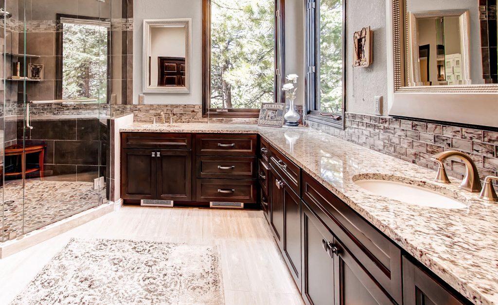 22374 Anasazi Way Golden CO-print-023-81-Master Bathroom-2700x1800-300dpi